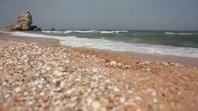 Pebble Beach des Schwarzen Meers Schieberschuß stock video