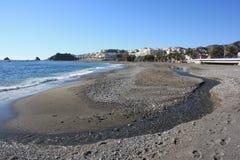 Pebble Beach e flusso (Spagna) Fotografia Stock Libera da Diritti
