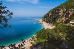 Pebble Beach nahe Perazica tun, Montenegro Lizenzfreie Stockfotos