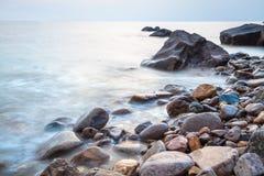 Pebble Beach på skymning Fotografering för Bildbyråer