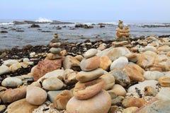 Pebble Beach på udden av bra hopp Royaltyfri Foto