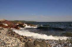 Pebbled strand, ö av buten Royaltyfria Bilder