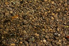 pebbles under vatten royaltyfri fotografi