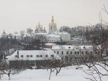 Pechersk Lavra nell'inverno immagine stock