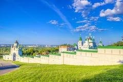 Pechersky-Besteigungskloster in Nischni Nowgorod Lizenzfreie Stockfotos