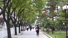 PECHINO, CINA - 6 settembre 2016: Passaggio pedonale fra terzo Ring Road - secondo Ring Road Fotografie Stock