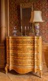 Pecho de cajones antiguo Foto de archivo libre de regalías