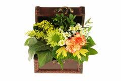Pecho de flores fotografía de archivo