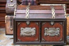 Pecho de madera del pirata del tesoro del vintage foto de archivo libre de regalías