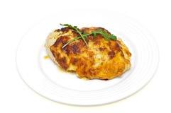 Pecho de pollo cocido al horno en queso Imagen de archivo libre de regalías