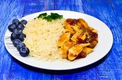 Pecho de pollo con arroz Foto de archivo libre de regalías
