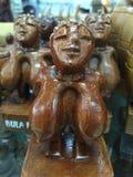 Pecho tallado de madera de una mujer Foto de archivo