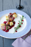 Pechuga de pato con la salsa de la cereza Fotografía de archivo libre de regalías