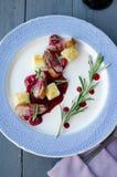 Pechuga de pato con la salsa de la cereza Foto de archivo libre de regalías