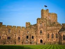 PECKFORTON, CHESHIRE/UK - 15-ОЕ СЕНТЯБРЯ: Замок Peckforton купает Стоковые Фото