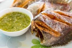 Pectoralis Trichogaster, τηγανισμένα salid ταϊλανδικά τρόφιμα ψαριών Στοκ φωτογραφία με δικαίωμα ελεύθερης χρήσης
