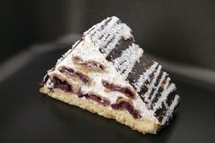 Pedaço de bolo com crosta de gelo Imagem de Stock Royalty Free