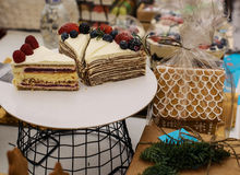 Pedaços de bolo na placa Foto de Stock