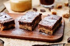Pedaços de chocolate, barras de chocolate da manteiga de amendoim imagem de stock royalty free