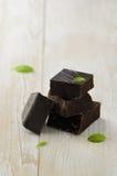 Pedaços escuros do chocolate Imagem de Stock