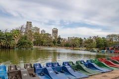Pedałowe łodzie i jezioro przy Bosques de Palermo, Buenos - Aires, Argentyna obraz royalty free