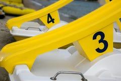 Pedałowe łodzie liczba 3, 4 i obrazy stock