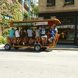Pedałowy bar na ulicie w Milwaukee, WI, usa Obrazy Royalty Free