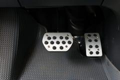 Pedal do freio e de acelerador foto de stock