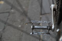 Pedale della bicicletta del metallo fotografia stock libera da diritti