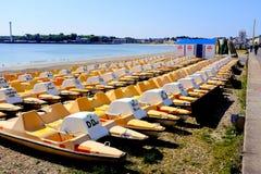 Pedalos en la playa, Weymouth, Dorset, Reino Unido Imagenes de archivo