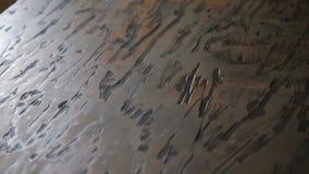 Pedazo apenado y manchado de madera contrachapada almacen de video