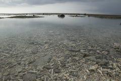 Pedazo coralino subacuático en la playa de Gili Air, Lombok, Indonesia Imágenes de archivo libres de regalías