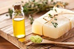 Pedazo de jabón natural. Imagen de archivo libre de regalías