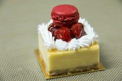 Pedazo de pastel de queso de la cereza Fotos de archivo