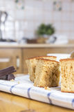 Pedazo de torta, de café y de chocolate de esponja Imagen de archivo