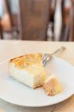 Pedazo de torta de coco Foto de archivo libre de regalías