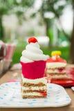 Pedazo de torta de zanahoria Imagenes de archivo