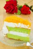 Pedazo de torta pandan con la correa del foi Imagenes de archivo