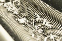 Pedazo destrozado de la trituradora imagenes de archivo