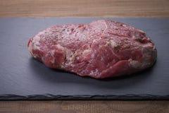 Pedazo hermoso de carne de vaca Imagenes de archivo