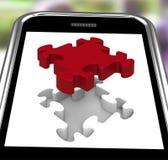 Pedazo pasado en Smartphone que muestra la realización Imágenes de archivo libres de regalías