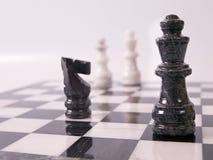Pedazos de ajedrez de Bllack Foto de archivo