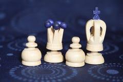 Pedazos de ajedrez de madera Foto de archivo