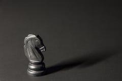 Pedazos de ajedrez plásticos Fotografía de archivo libre de regalías