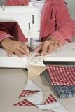 Pedazos de costura de Quilter de tela. Fotografía de archivo