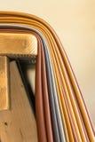 Pedazos de cuero en un banco de trabajo Foto de archivo libre de regalías