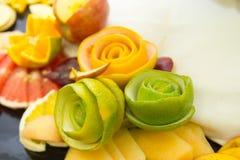 Pedazos de fruta, fruta de las flores Imágenes de archivo libres de regalías