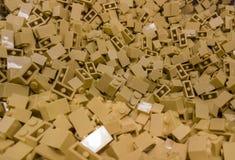 Pedazos de LEGO en diversos tama?os y colores foto de archivo