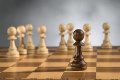 Pedazos de madera del juego de ajedrez foto de archivo libre de regalías