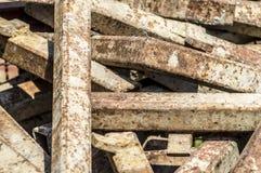 Pedazos de metal que aherrumbra Imagen de archivo libre de regalías